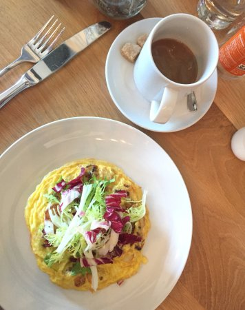 San Mateo, CA: Seasonal Frittata and Coffee for Brunch