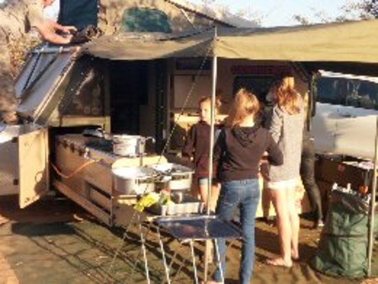 Serowe, Botswana: Camp preparation