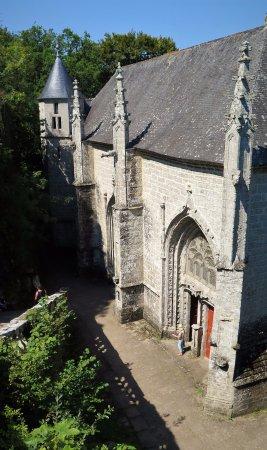 Le Faouet, France: Descente vers Sainte-Barbe