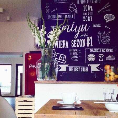 Zory, Polonia: MIYU sushi