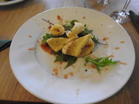 Surlingham, UK: Squid starter
