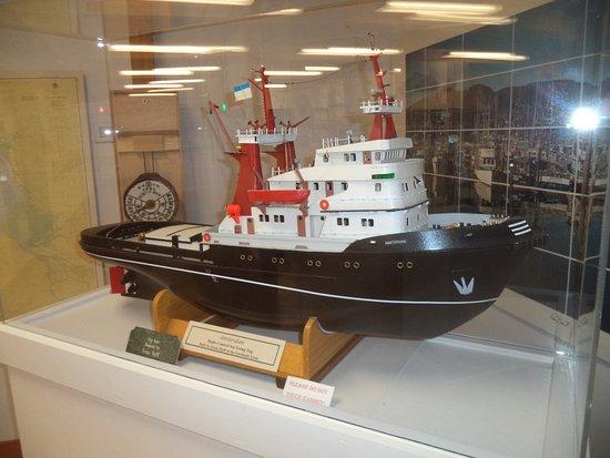 Garibaldi, Oregón: oneof many boat models