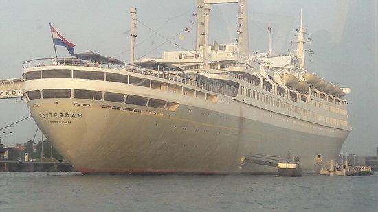 SS Rotterdam: 20170826_194408_large.jpg