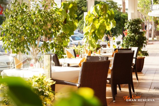 Gran Reserva: A spacious sunny terrace to enjoy summer days.