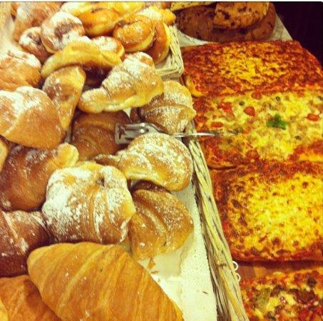 Crone, Italien: Pizze brioche e tanto altro