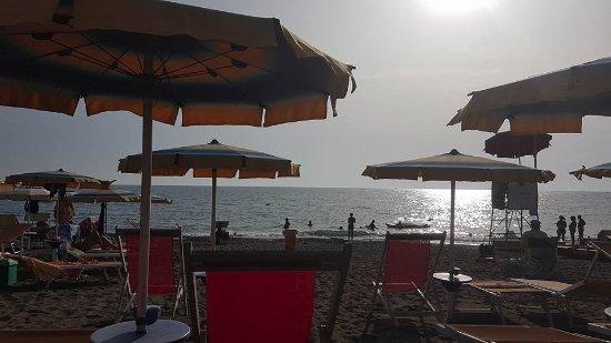Bagni Il Gabbiano: la vista dall'ombrellone