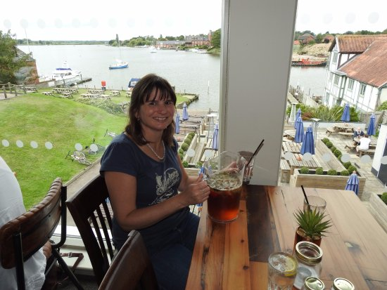 Oulton Broad, UK: Pimms with a view!