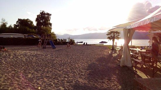 Estavayer-le-Lac, سويسرا: coucher de soleil sur le lac, quel calme
