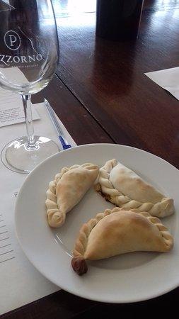 Pizzorno Family Estates: Te dan 3 empanadas para que sepas que comida va con cada vino