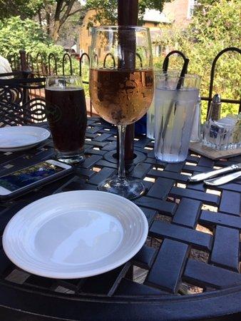 Lambertville, Nueva Jersey: A glass of rose