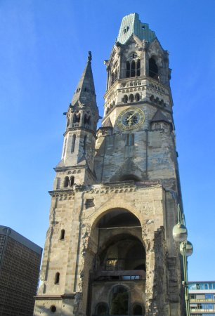 The Berlin Experts- Walking Tours: Bombed Church
