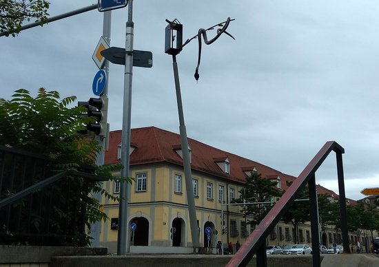 Ludwigsburg, Allemagne : Be careful of traffic when looking