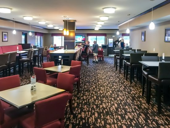 Holiday Inn Express Hotel & Suites Moab : Breakfast Seating