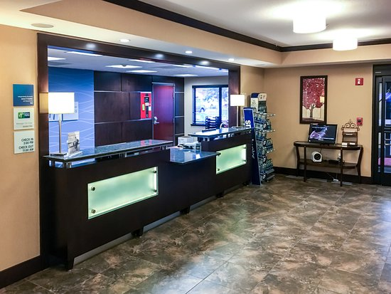 Holiday Inn Express Hotel & Suites Moab : Front Desk