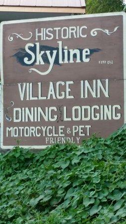 Skyline Village Inn Bild