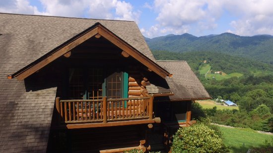 Leicester, Северная Каролина: Log Lodge with mountain views - looking southwest