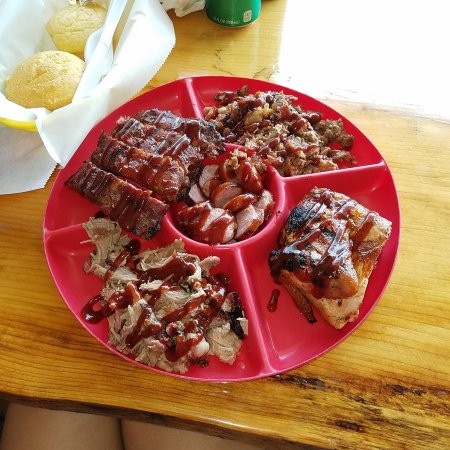 Slammin Jammin Southern Smoked BBQ: mix platter