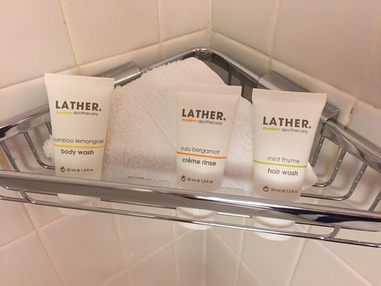 Hotel Max: Bath products