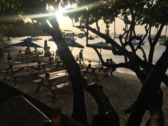The Beach Bar: photo2.jpg