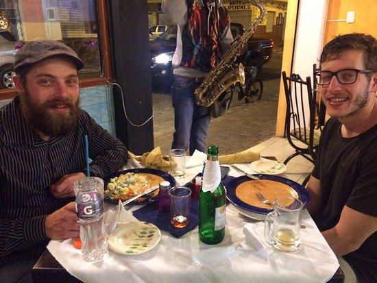 Cana Mandur Restaurant: Nuestro amigo Jacobo degustando una deliciosa cena.