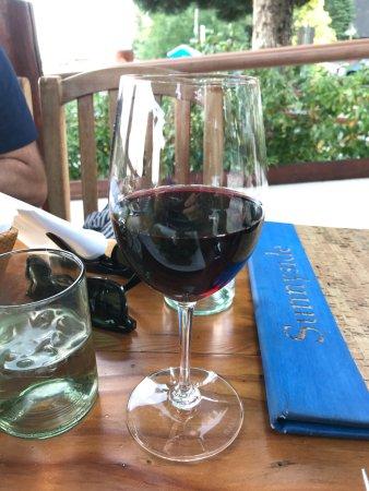 Sunnyside Restaurant: Good wine