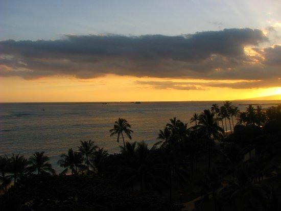 Waikiki Shore: Always sorry to leave Hawaii