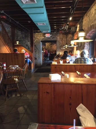 The Cotton Exchange Tavern & Restaurant: length of reastaurant looking into bar are