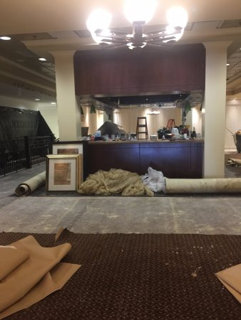 Doubletree by Hilton Hotel Columbia: bar area under construction