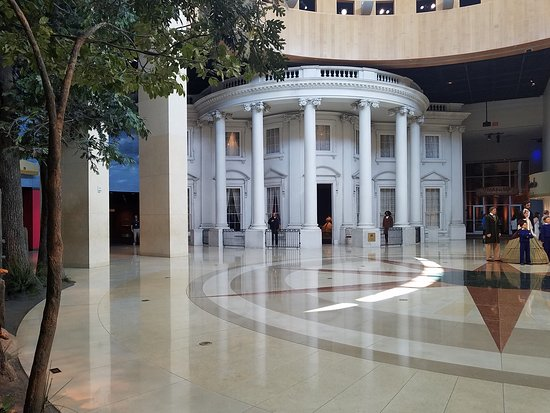 Abraham Lincoln Presidential Library and Museum: 20170830_144926_large.jpg