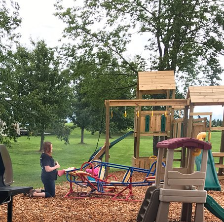 Fair Haven, NY: Pavilion & playground