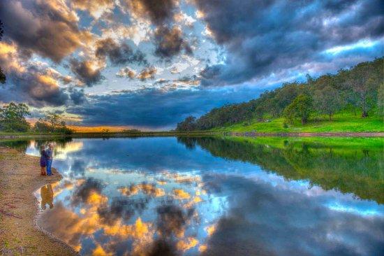 Burekup, Αυστραλία: Lakeside sunsets