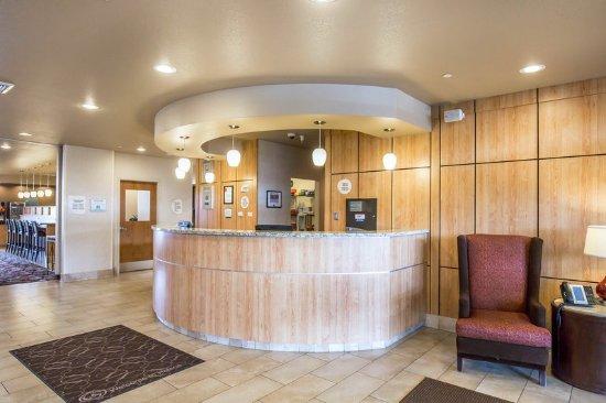 Comfort Suites Helena Airport: Front desk