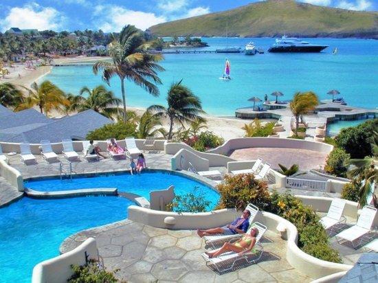 St. James's Club & Villas: Exterior Poolside