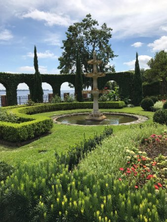 The Italian Gardens with river view behind it - Picture of The ...