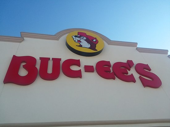 Giddings, TX: Buc-ee's sign