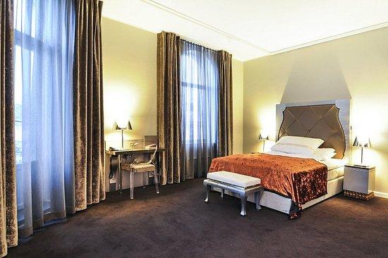 Clarion Hotel Ernst: Guest room