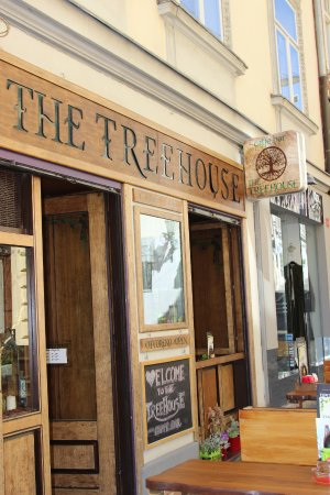 ‪The Treehouse Caffe‬