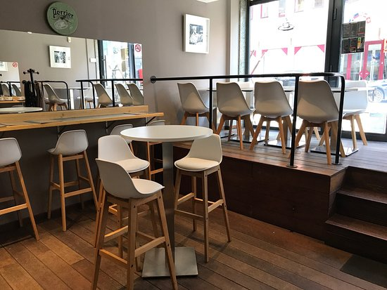Nouvelle deco! - Picture of L\'Expresso - Snack, Brussels - TripAdvisor
