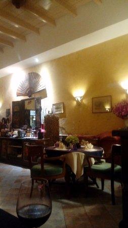 Dibuk restaurant : บรรยากาศในร้าน