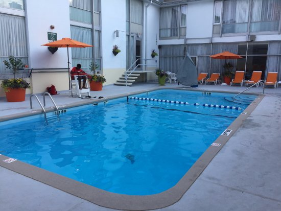 The Midtown Hotel: Outdoor pool
