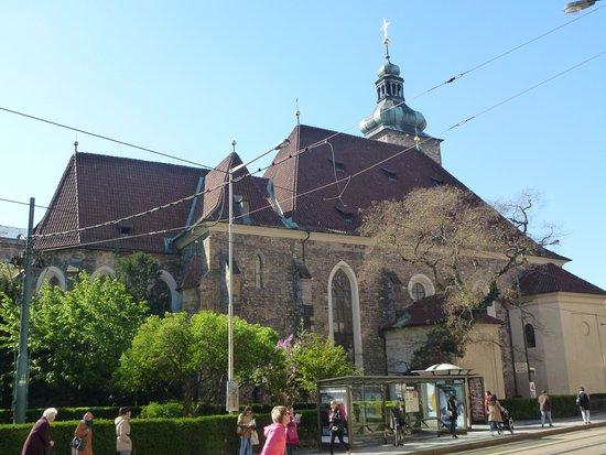 Kostel Svateho Jindricha a Svate Kunhuty