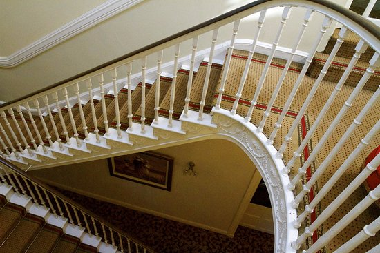 Castleconnell, Ireland: Loved the staircase