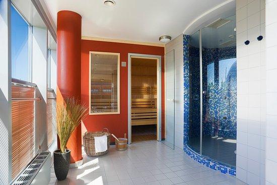 atlantic hotel universum 2. Black Bedroom Furniture Sets. Home Design Ideas