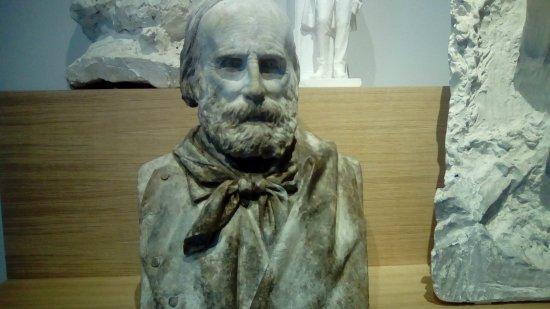 Galleria Civica d'Arte Moderna: Garibaldi (la cura del dettaglio si percepisce solo dal vivo)