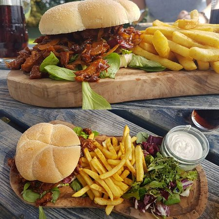 Kintbury, UK: Delicious Pulled Pork Burger