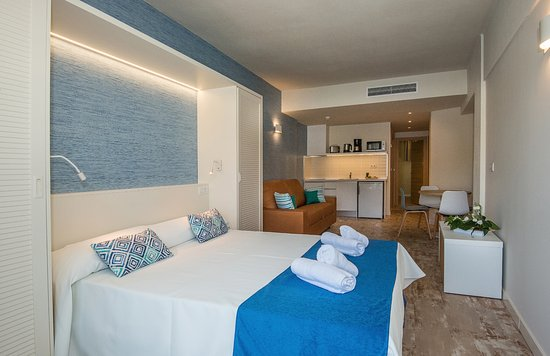 Rooms: HOVIMA La Pinta Beachfront Family Hotel