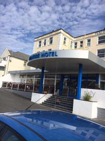 The Pentire Hotel: Front of hotel