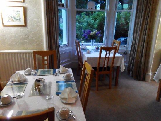 Crioch Guest House: salle du petit dejeuner