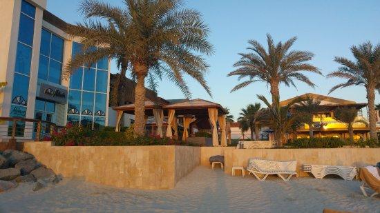 Dubai Marine Beach Resort and Spa Photo