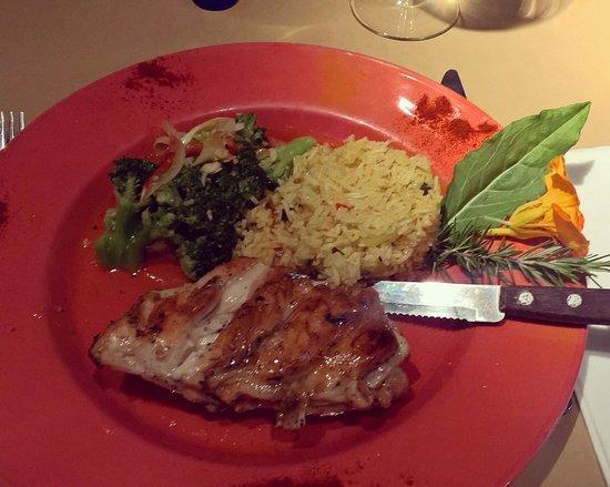 Six: Frango com molho agridoce, arroz e legumes! Top!